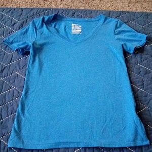 (NWOT) Nike Dri-fit v-neck t shirt xs